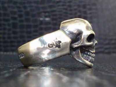 Single_skull_ring-005.jpg