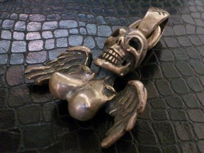 Skull_and_wing_pendant-03.jpg