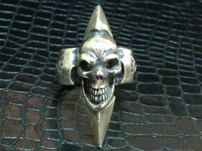 Skull_with_spike_ring-001.jpg