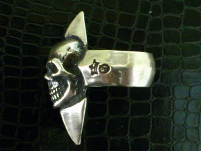 Skull_with_spike_ring-004.jpg