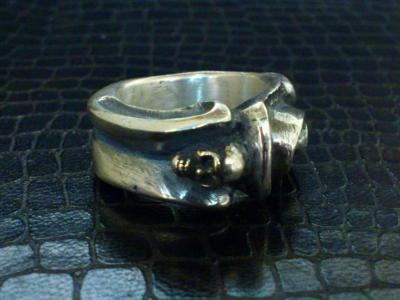 Small_gothic_skull_ring-004.jpg