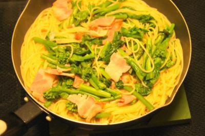 菜の花とベーコンのパスタ スープ仕立て