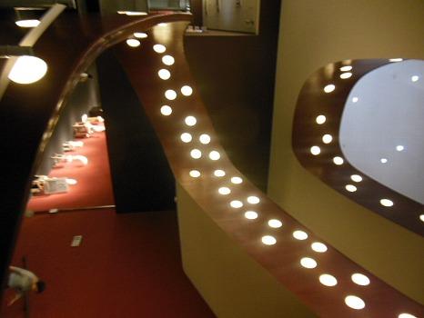 座・高円寺の階段