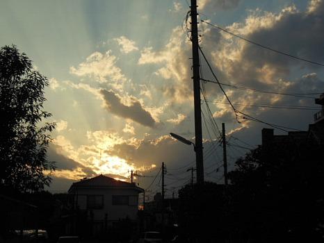 秋夕暮れの雲