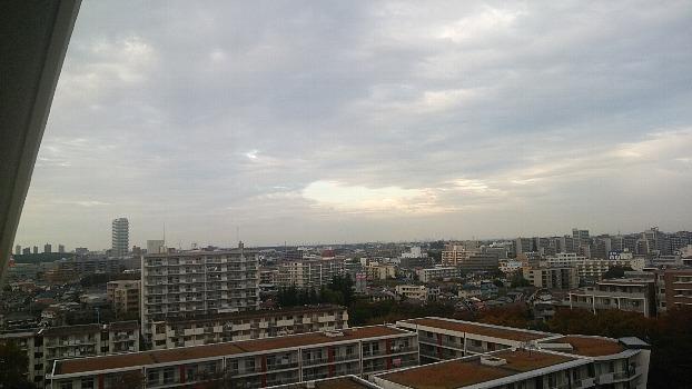 雲の切れ間の空