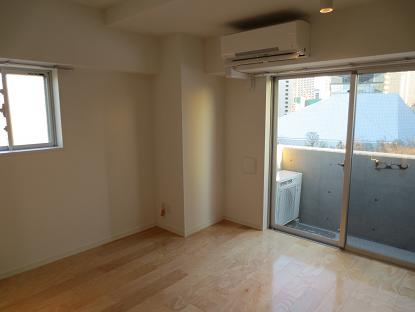 A赤坂、偶数階2号室室内全景
