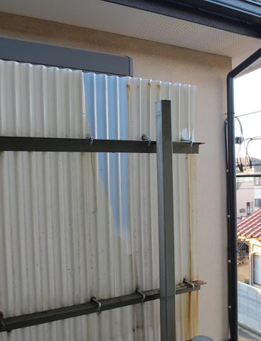 2階廊下波板修理済