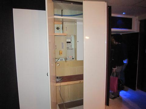 立川、隠し部屋、ボイラー制御盤