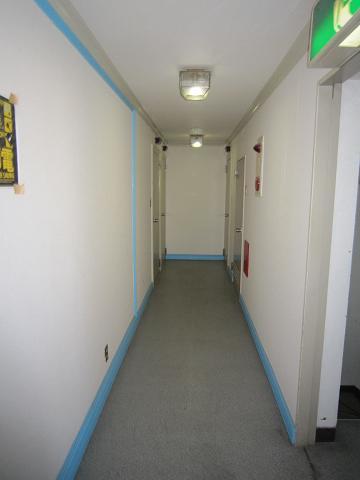 立川、廊下