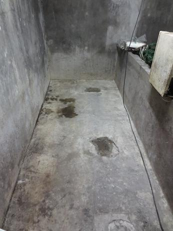 地下室1コマ