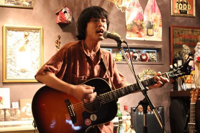 BtE-5jOCAAAao70.jpg