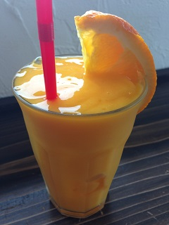 青森屋 宮崎マンゴーオレンジのフルーツジュース
