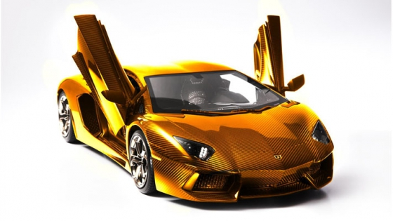 The-New-Lamborghini-Aventador-Model-is-Made-of-Gold-2.jpg