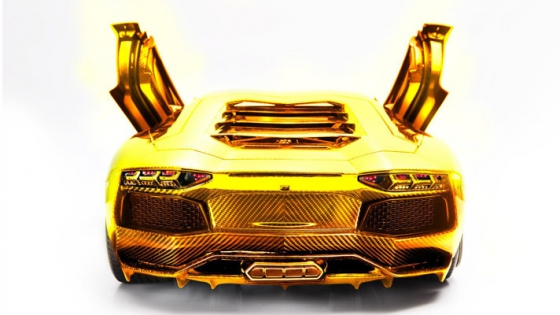 The-New-Lamborghini-Aventador-Model-is-Made-of-Gold-3.jpg