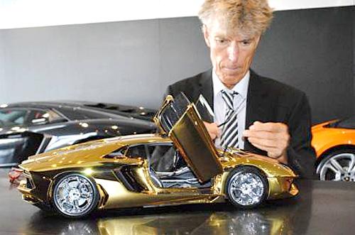 goldcar1.jpg