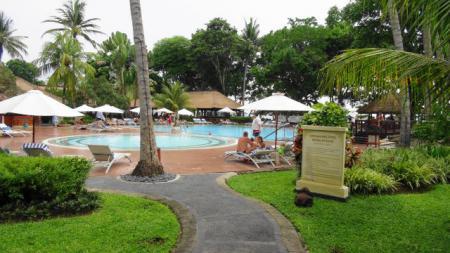 サヌールビーチホテルのプール