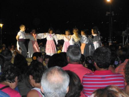 スコペロス 港でのダンス