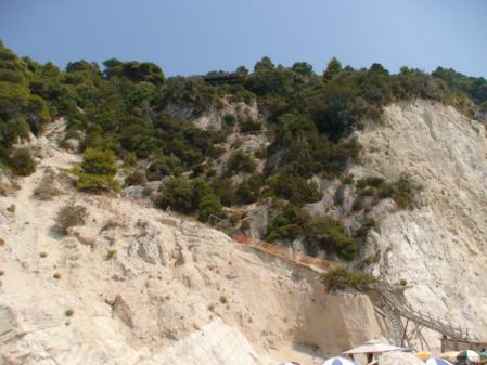 エグレミビーチの階段