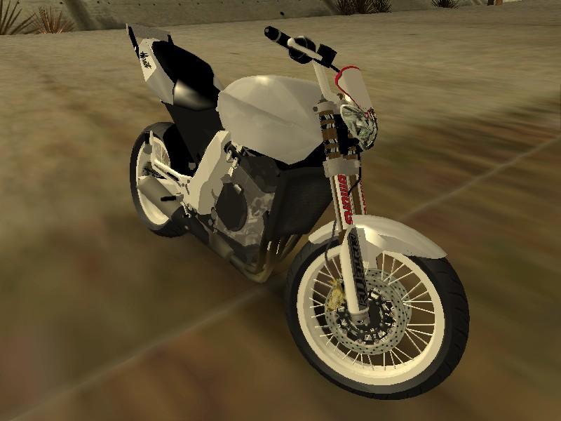honda_hornet_wheeling1.jpg