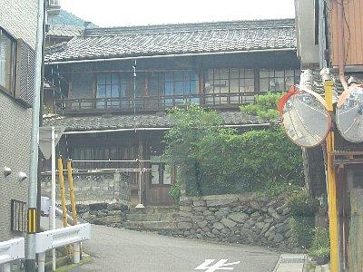 古城医院のぼり道