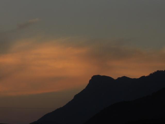 むかばきの夕空
