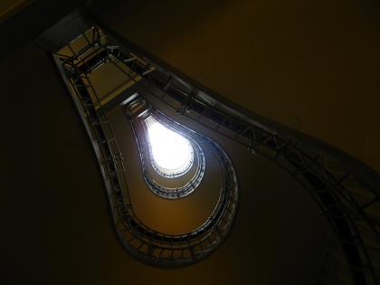 キュビズム美術館内部の階段