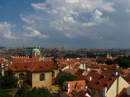 プラハ市を眺める