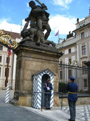 プラハ城衛兵交代
