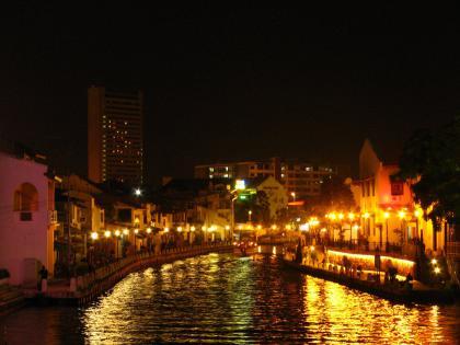 マラッカ川の夜景