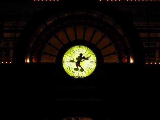 ディスニーランドホテル時計