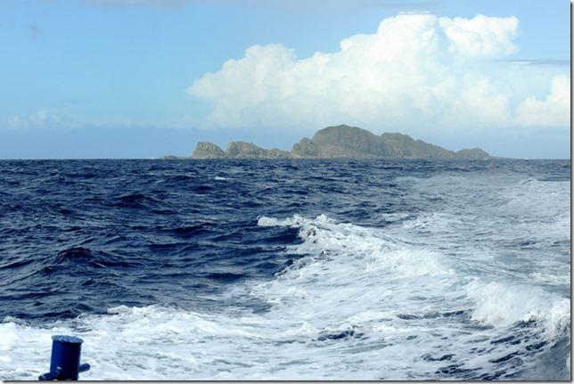 13072615 仲の神島全景