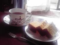 紅茶とカステラ