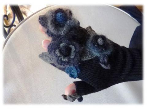 お花の手袋(黒)2