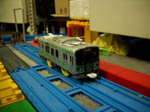 だだっ広い駅と125系