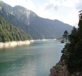 縮 黒部湖2