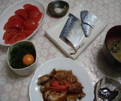 5.10 3-1 鳥の照り焼き しめさば わかめ卵 冷製トマト シジミの味噌汁