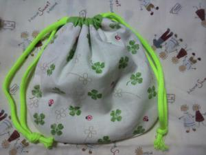 20120924クローバー柄の巾着袋 完成(*^^)v
