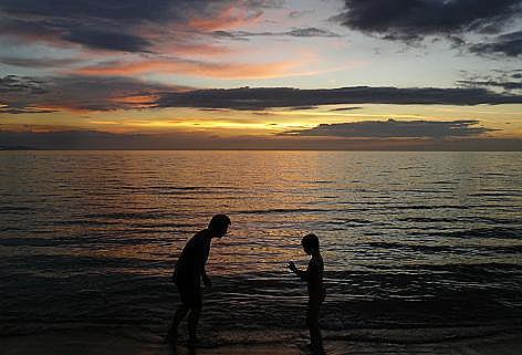 夕陽が沈むまで遊んで・・・