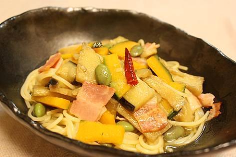 カボチャとナスと枝豆のペペロンチーニ♪