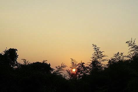 日は落ちていき・・・