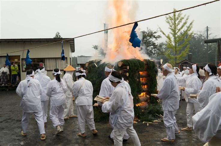 火渡り祭-61