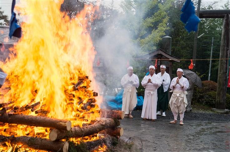 火渡り祭-63