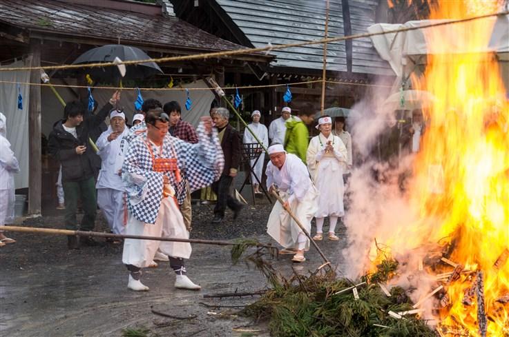 火渡り祭-65