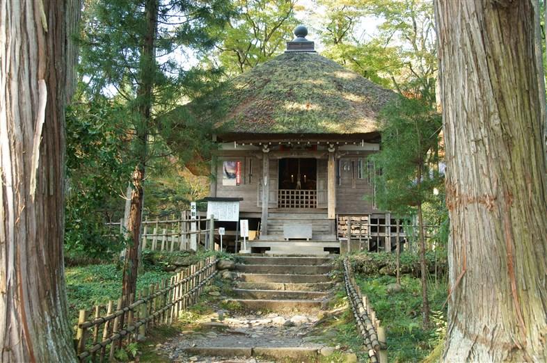 達谷岩屋毘沙門堂 (3)