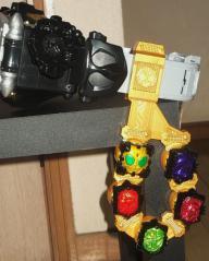 DXウィザードリングホルダー(ビーストカラーVer) ビーストドライバー装着