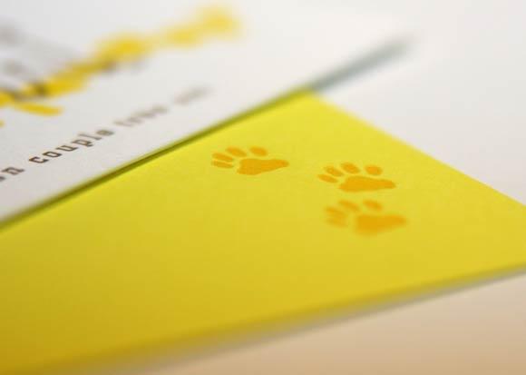 カラー封筒にも活版印刷でプレスできます