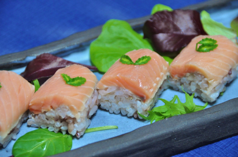 サクラマスの寿司2