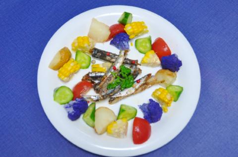 カラフル野菜とオイルサーディン3