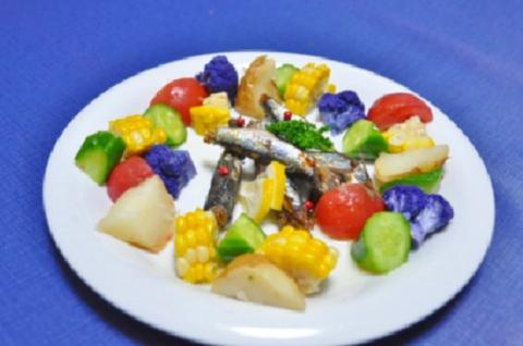 カラフル野菜とオイルサーディン4