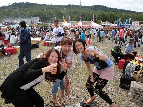 小樽」ワイン祭り 三人